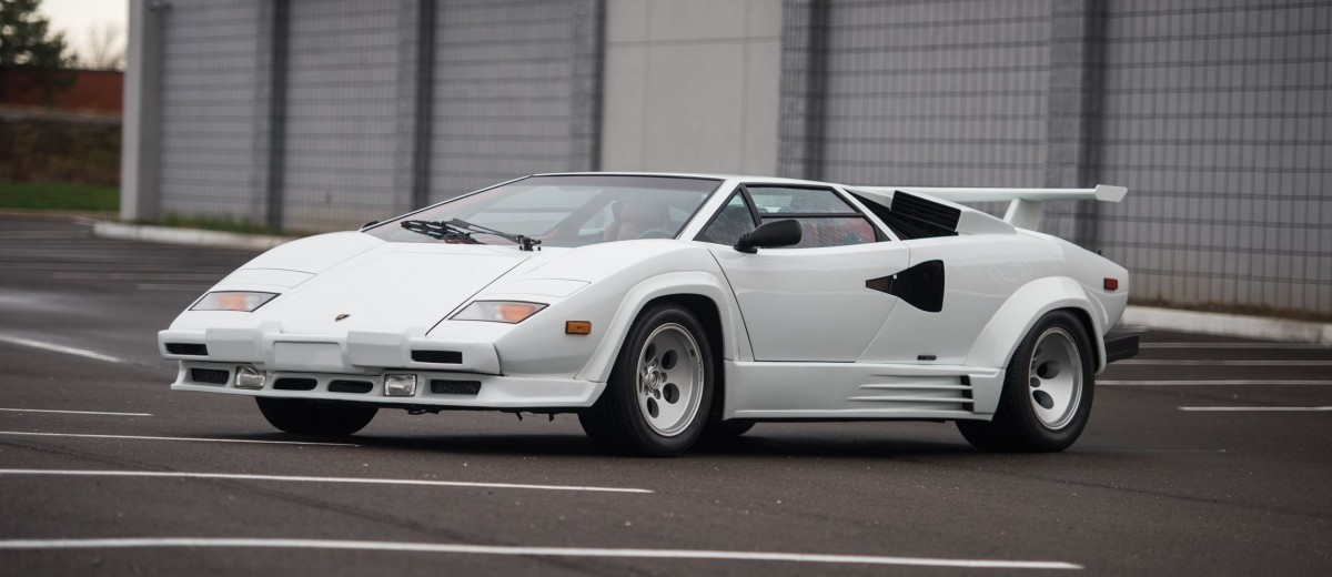 1988 5 lamborghini countach 5000 qv in bianco white is as new just 8k miles. Black Bedroom Furniture Sets. Home Design Ideas