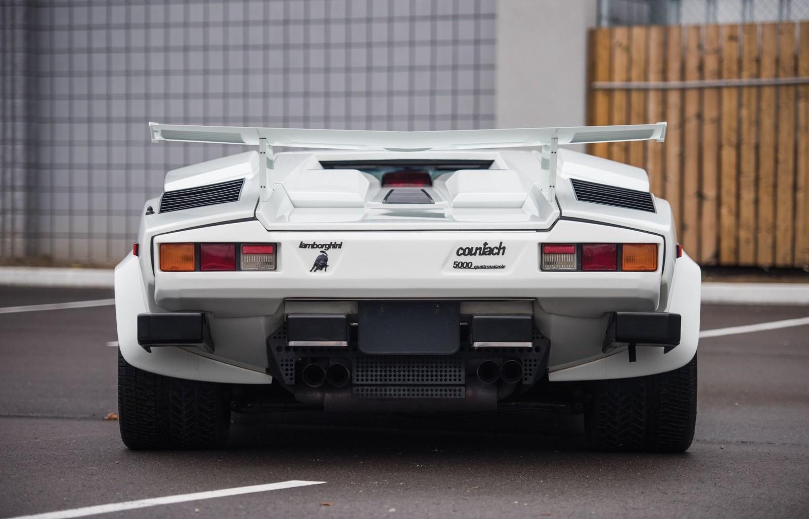 1988 5 Lamborghini Countach 5000 Qv In Bianco White 6