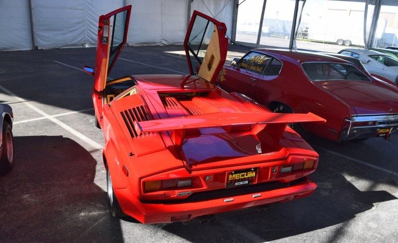 1989 Lamborghini COUNTACH 25th Anniversary Edition  26