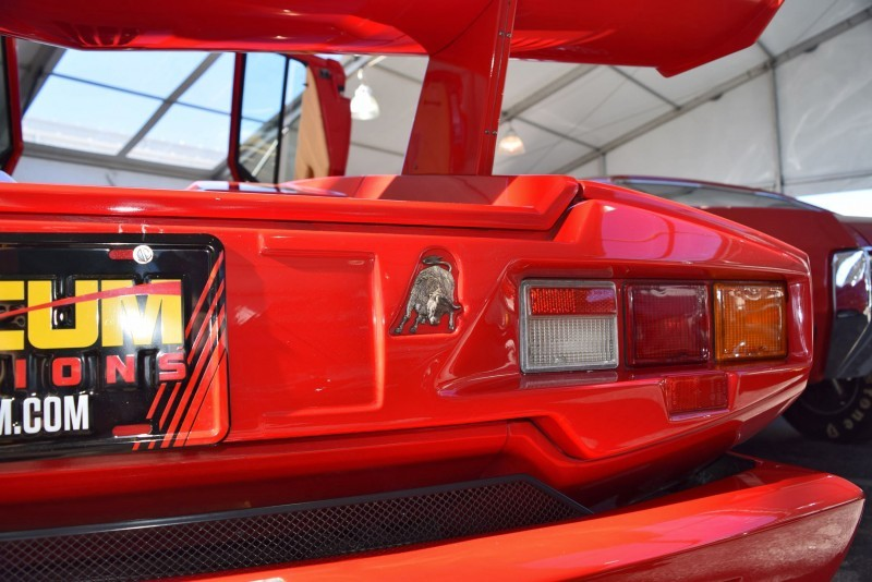 1989 Lamborghini COUNTACH 25th Anniversary Edition  28