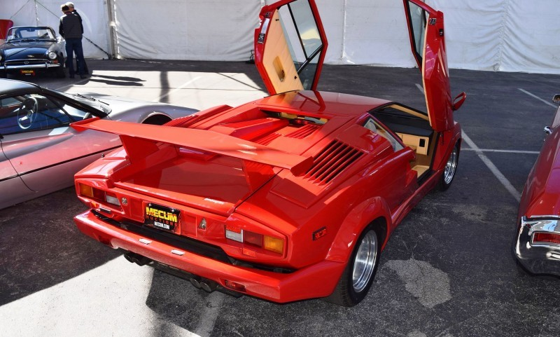 1989 Lamborghini COUNTACH 25th Anniversary Edition  31