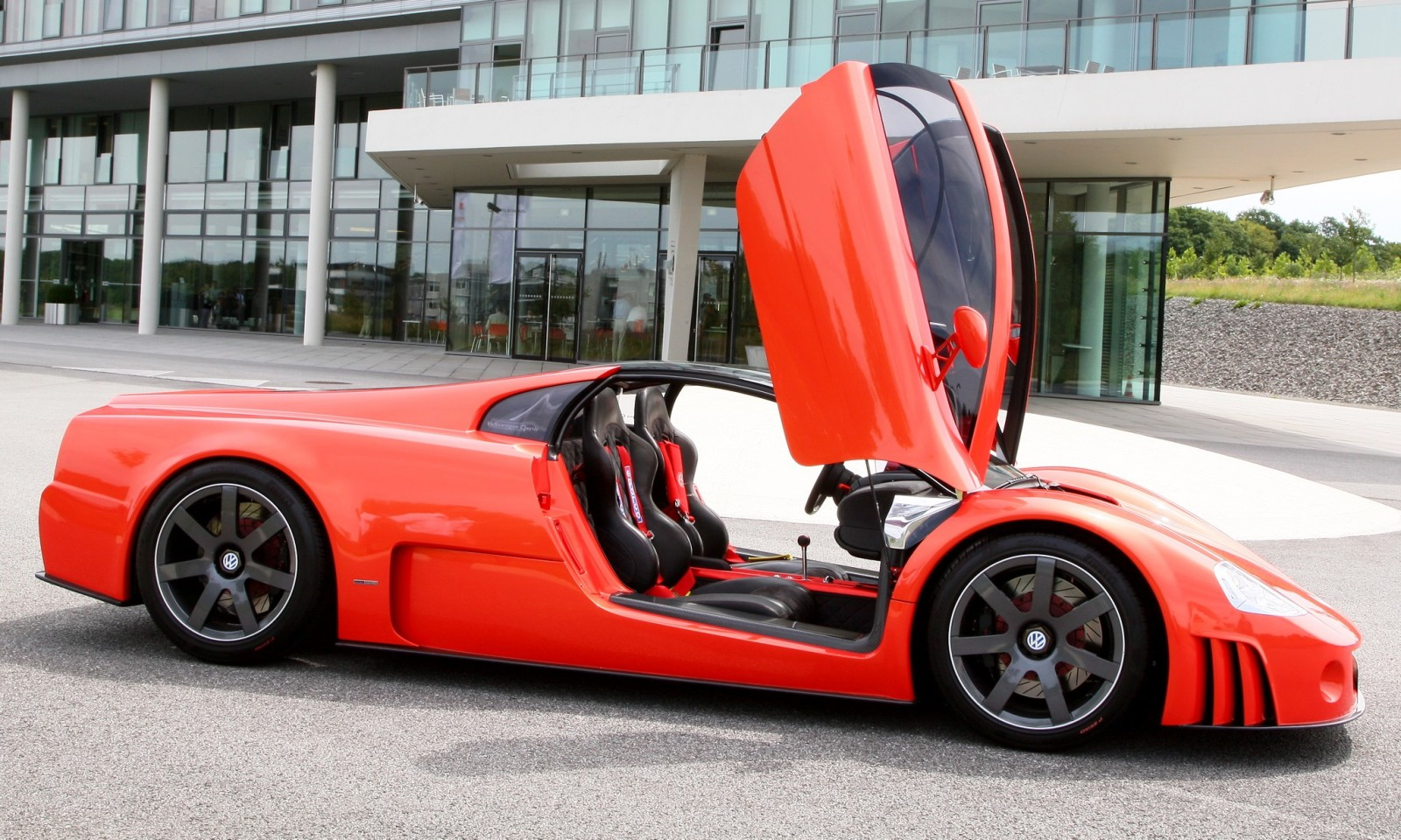 2001 Volkswagen W12 Coupe Concept Introduces Huge Engine and Hypercar Performance to VW Lore 15