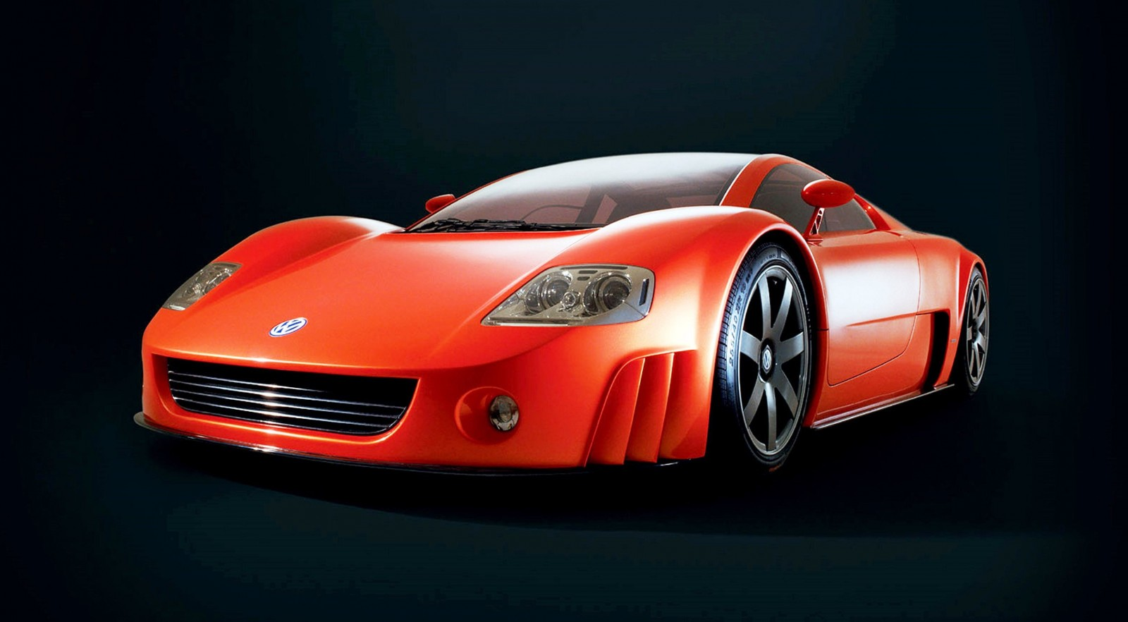 2001 Volkswagen W12 Coupe Concept Introduces Huge Engine and Hypercar Performance to VW Lore 2