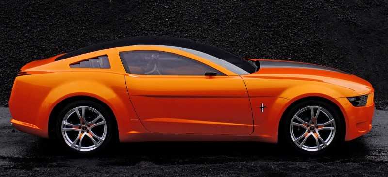 2006 Giugiaro Ford Mustang Concept Was Ringer vs In-House Ford Designs 11