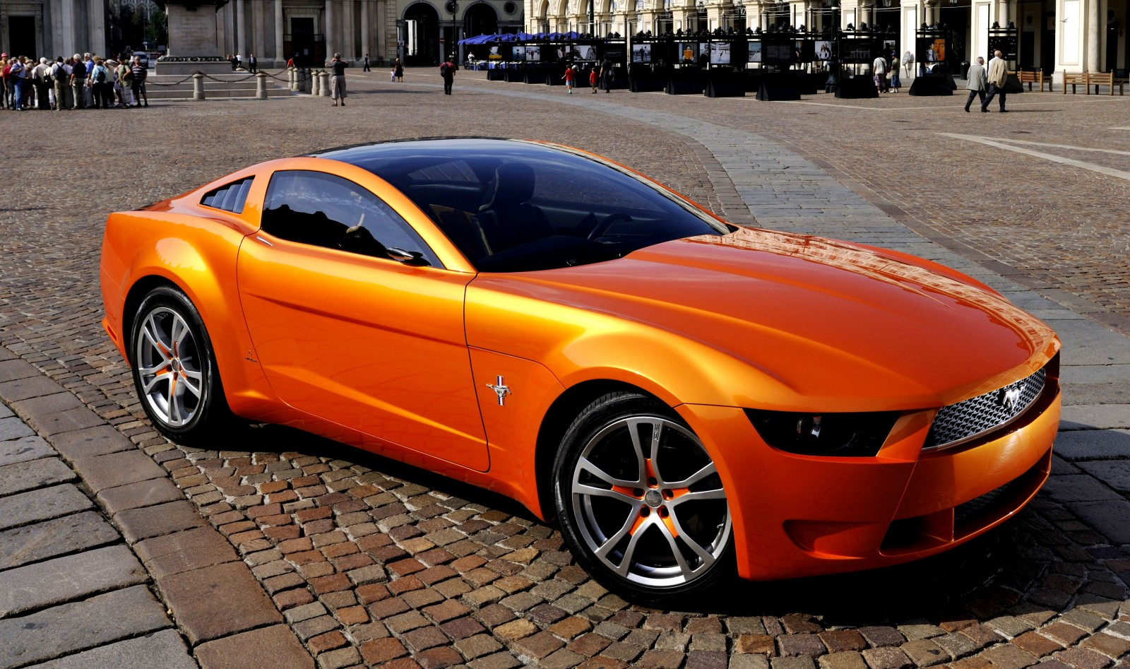 2006 Giugiaro Ford Mustang Concept Was Ringer vs In-House Ford Designs 15