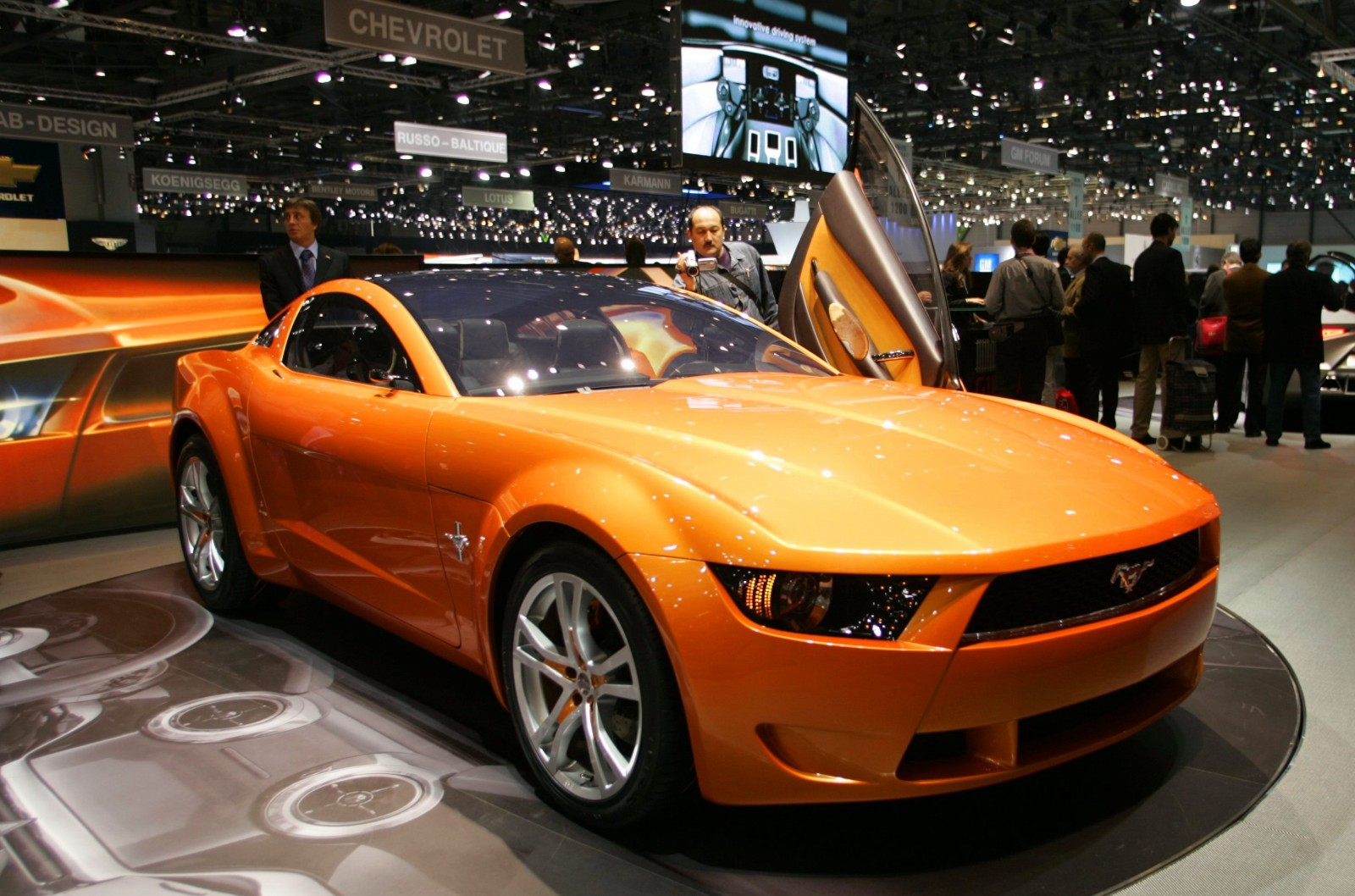2006 Giugiaro Ford Mustang Concept Was Ringer vs In-House Ford Designs 2