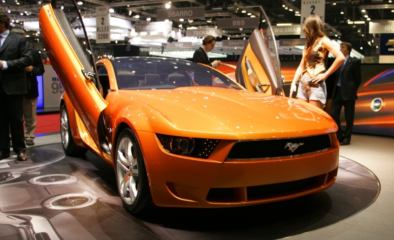 2006 Giugiaro Ford Mustang Concept Was Ringer vs In-House Ford Designs 25