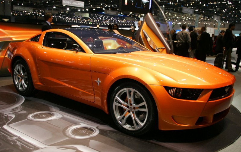 2006 Giugiaro Ford Mustang Concept Was Ringer vs In-House Ford Designs 3
