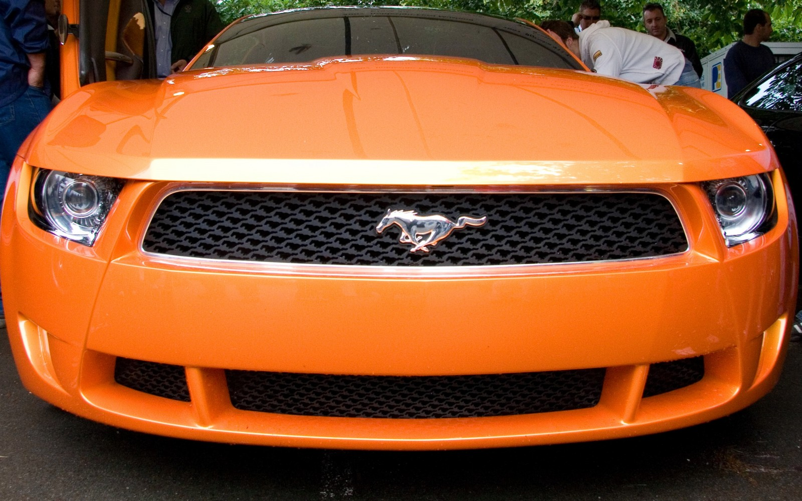 2006 Giugiaro Ford Mustang Concept Was Ringer vs In-House Ford Designs 5