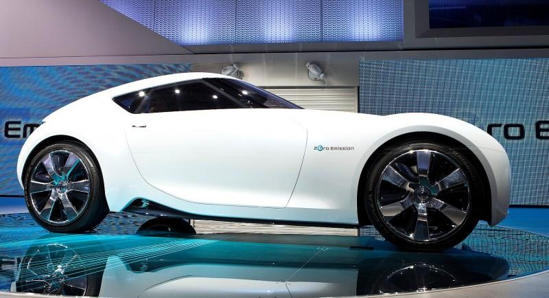 2011 Nissan ESFLOW Concept 38