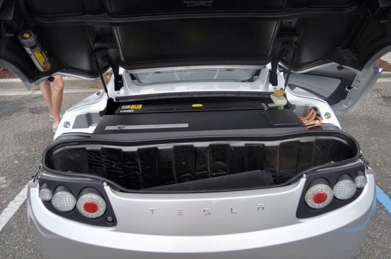 2011 TESLA Roadster 5