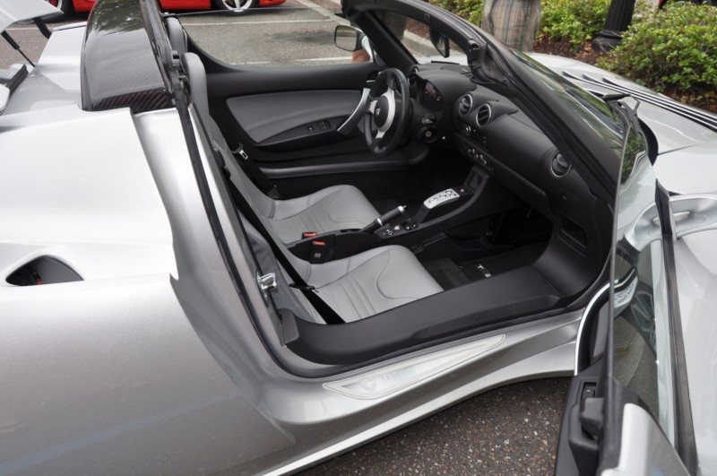 2011 TESLA Roadster 7