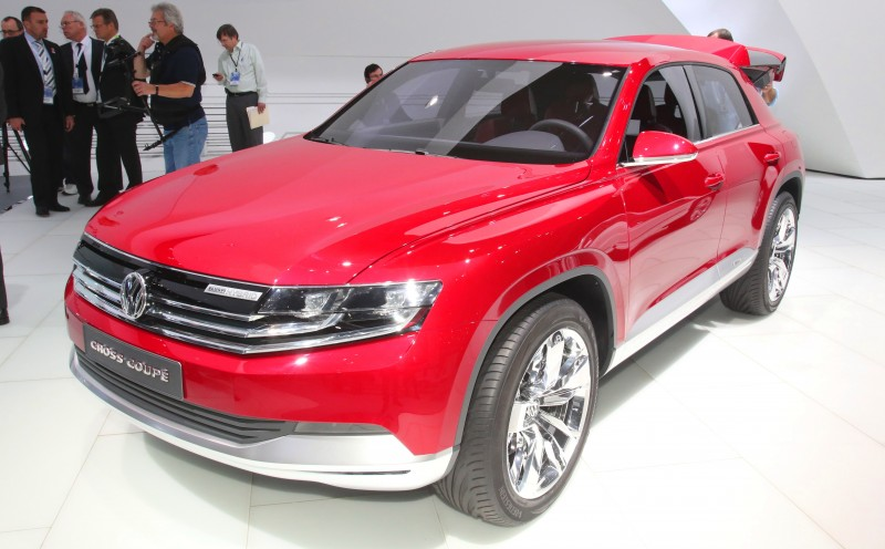 2011 Volkswagen Cross Coupe SUV Concept 18