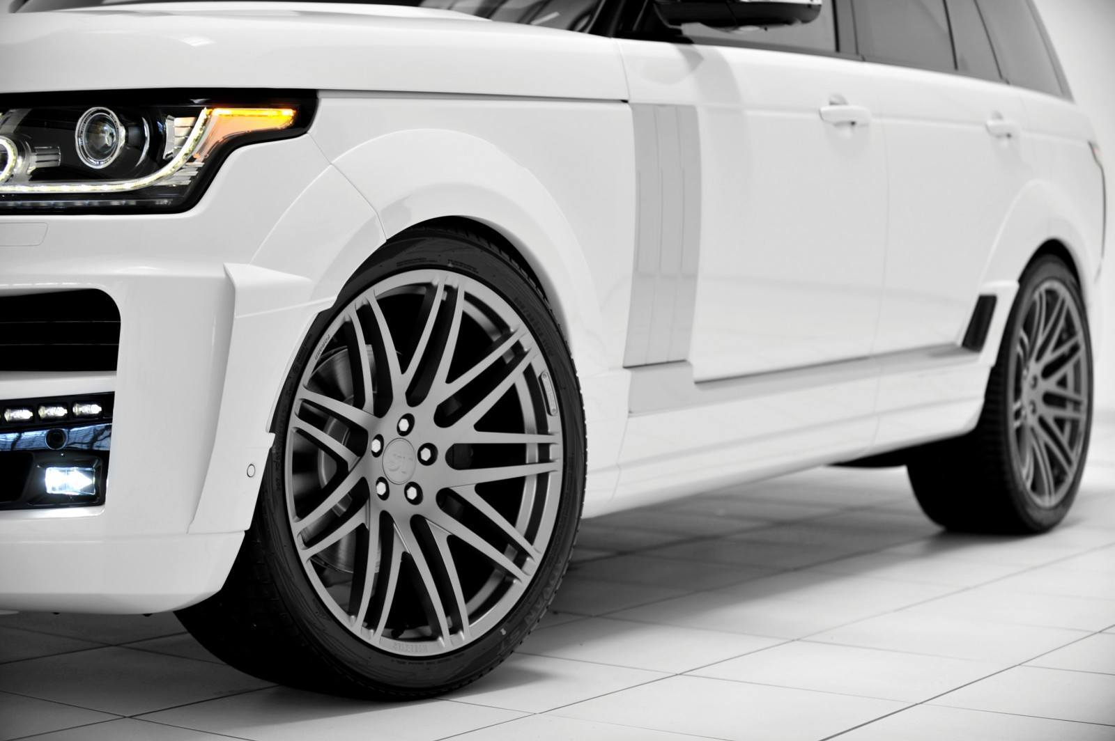2013-2015 Range Rover By StarTech Brings Best of BRABUS Tech to Lux SUV King 14