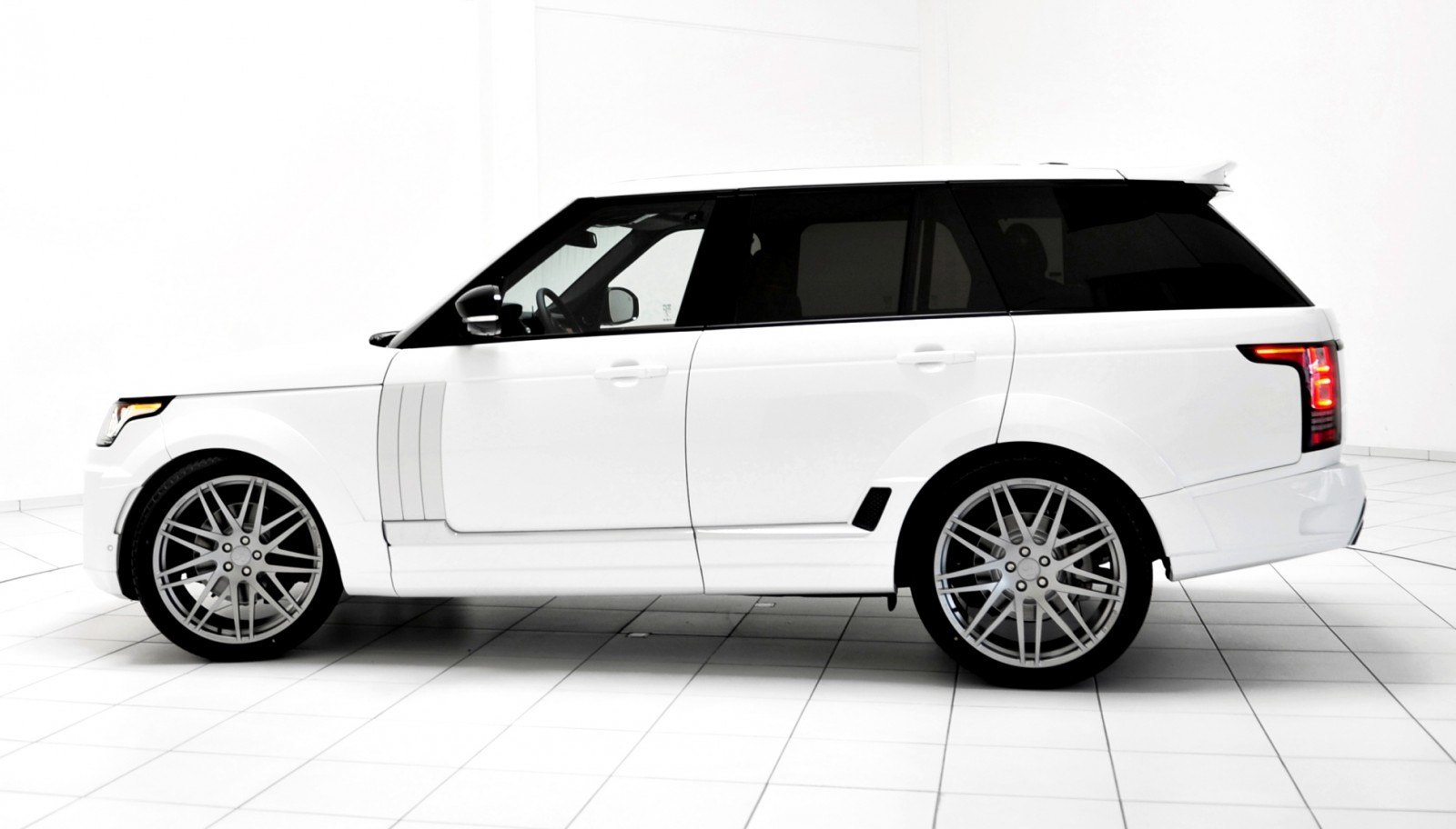 2013-2015 Range Rover By StarTech Brings Best of BRABUS Tech to Lux SUV King 27