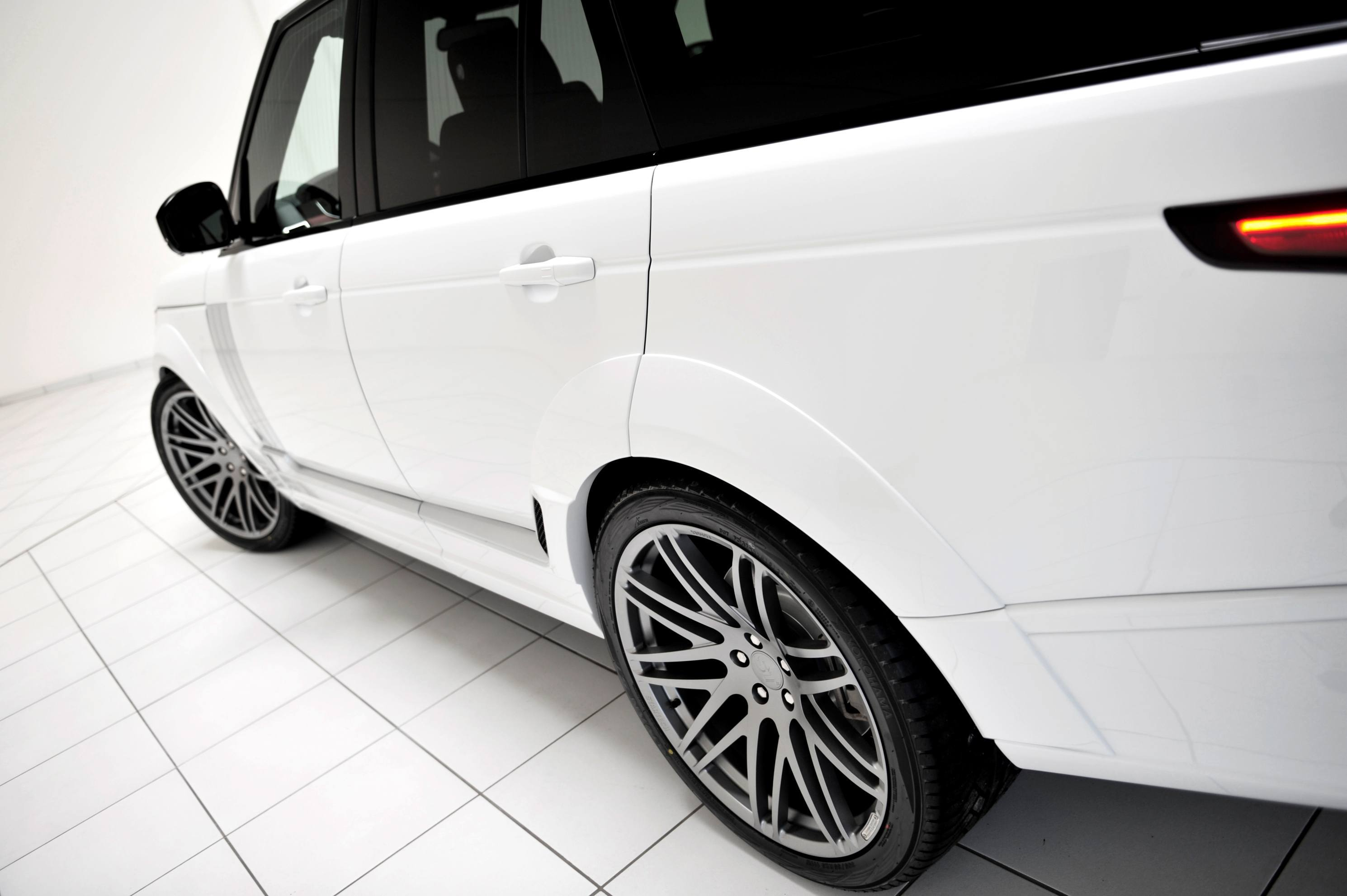 2013-2015 Range Rover By StarTech Brings Best of BRABUS Tech to Lux SUV King 37