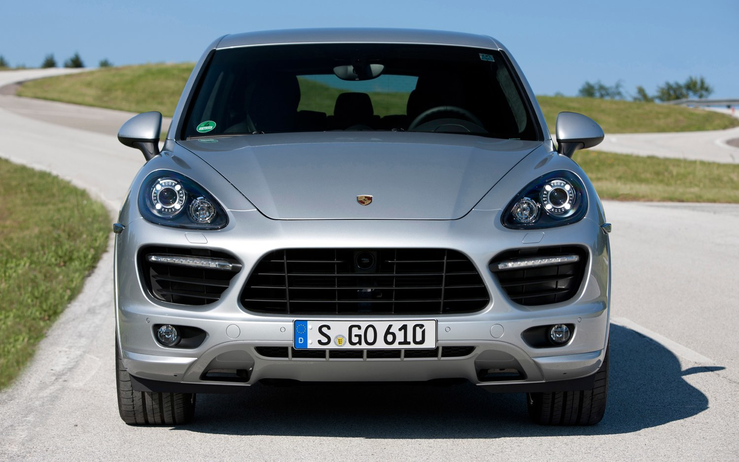 new for 2014 porsche cayenne turbo s tops 8 strong cayenne lineup in u s pricing and style. Black Bedroom Furniture Sets. Home Design Ideas
