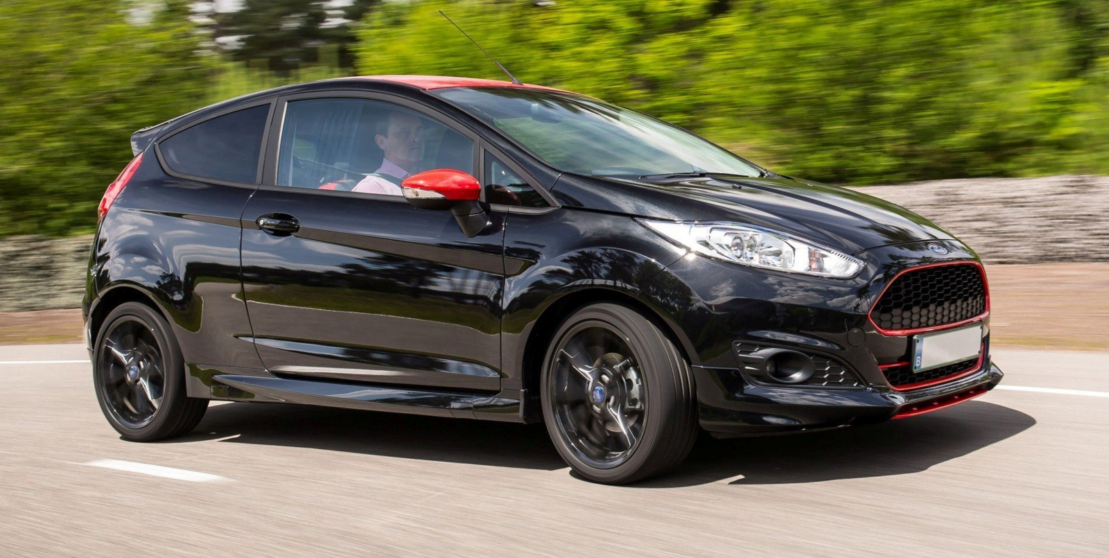 2014 ford fiesta red edition and fiesta black edition announced for uk 19. Black Bedroom Furniture Sets. Home Design Ideas
