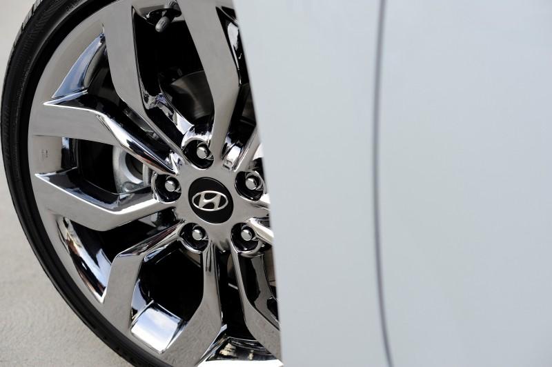 2014 Hyundai Veloster REFLEX 1