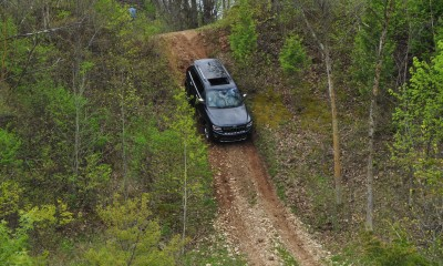 2014 Jeep Grand Cherokee Shows Its Trail Rated Skills Off-Road 17