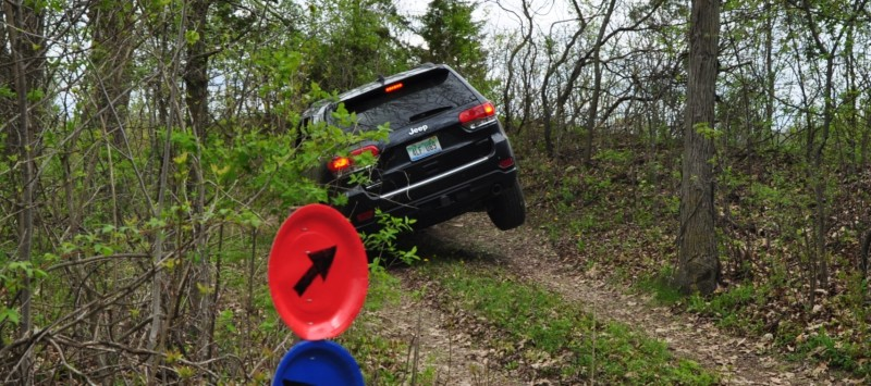 2014 Jeep Grand Cherokee Shows Its Trail Rated Skills Off-Road 3