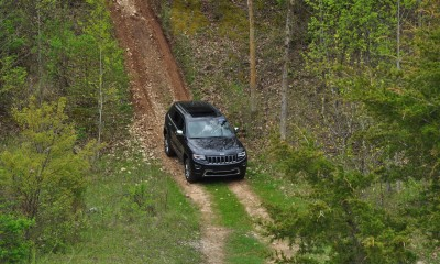 2014 Jeep Grand Cherokee Shows Its Trail Rated Skills Off-Road 30