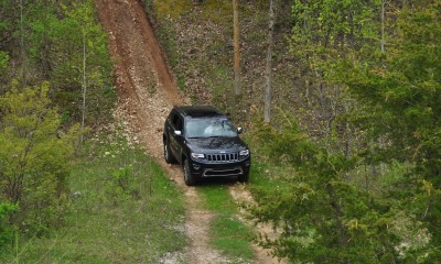 2014 Jeep Grand Cherokee Shows Its Trail Rated Skills Off-Road 31