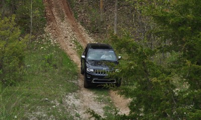 2014 Jeep Grand Cherokee Shows Its Trail Rated Skills Off-Road 33
