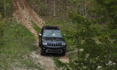 2014 Jeep Grand Cherokee Shows Its Trail Rated Skills Off-Road 34