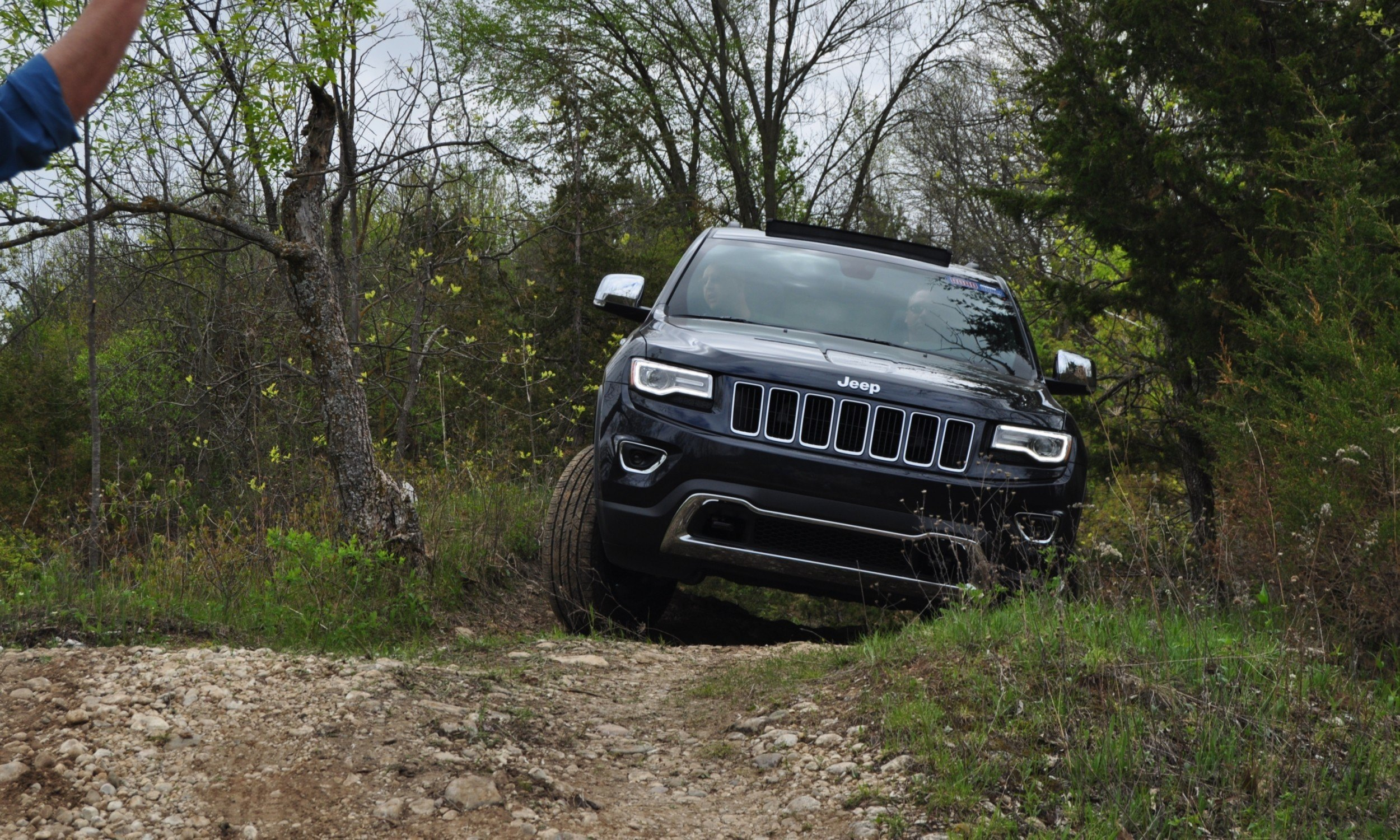 2014 Jeep Grand Cherokee Shows Its Trail Rated Skills Off-Road 38