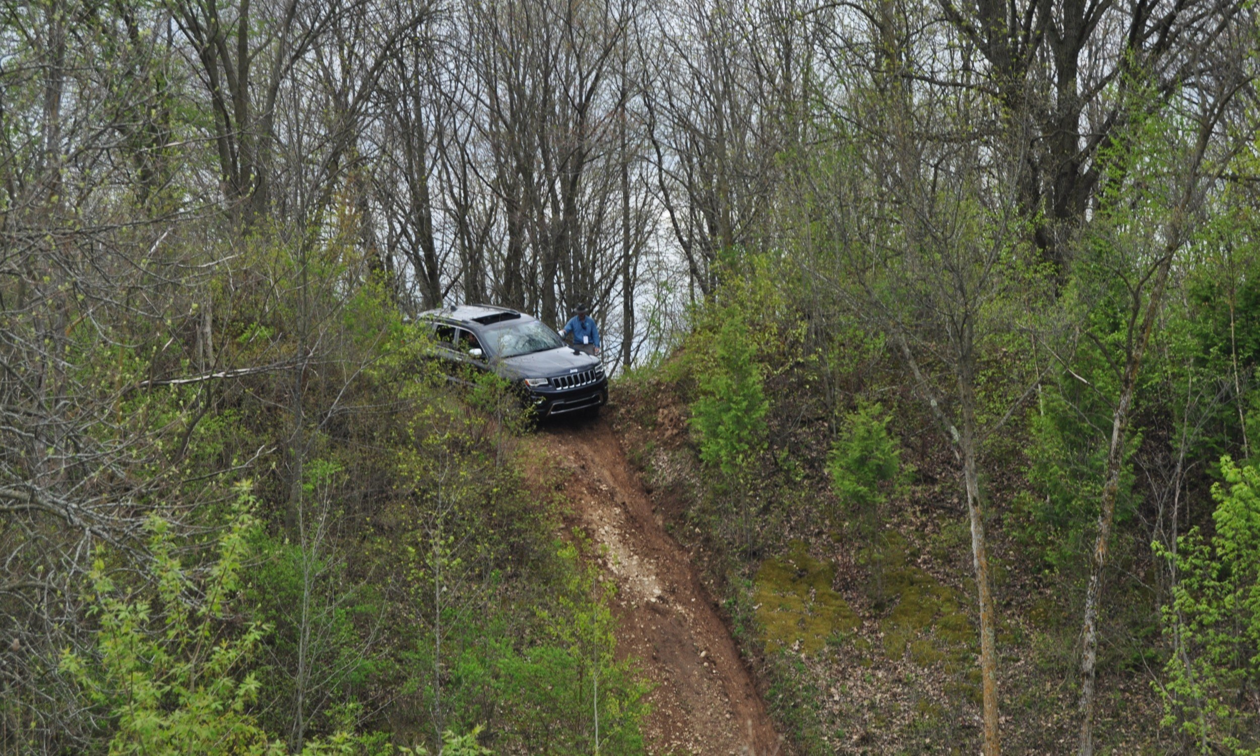2014 Jeep Grand Cherokee Shows Its Trail Rated Skills Off-Road 4