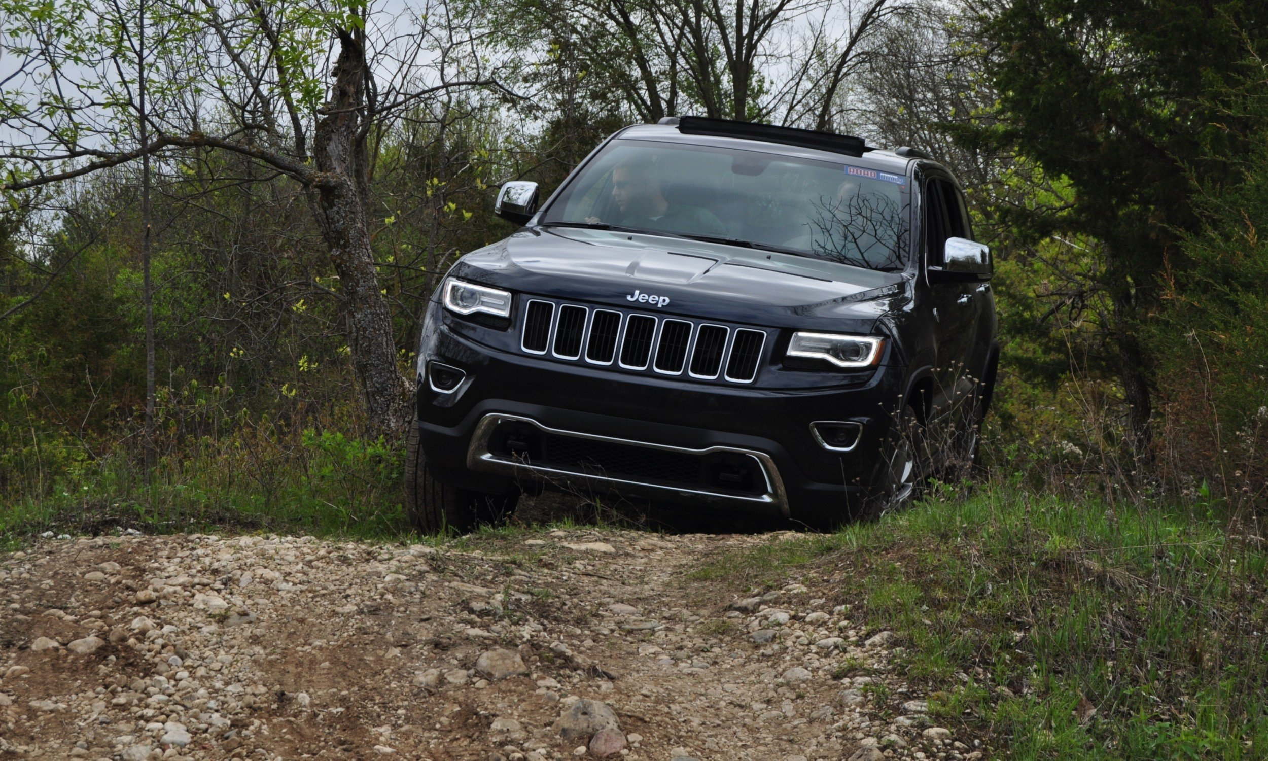 2014-Jeep-Grand-Cherokee-Shows-Its-Trail-Rated-Skills-Off-Road-40.jpg