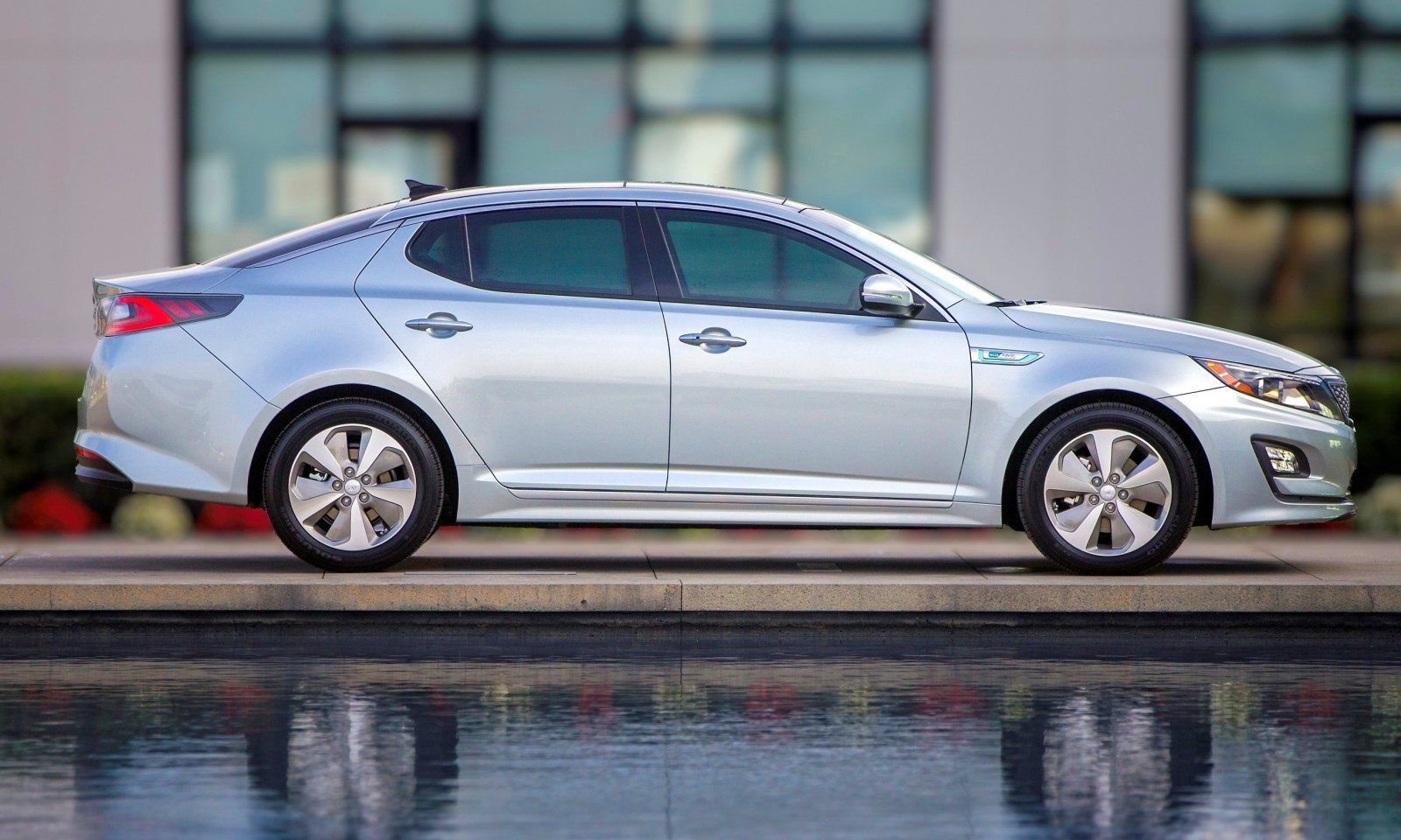 2014 Kia Optima Hybrid Updated With New Grille and LEDs Front and Rear - Specs, Features and Pricing 19