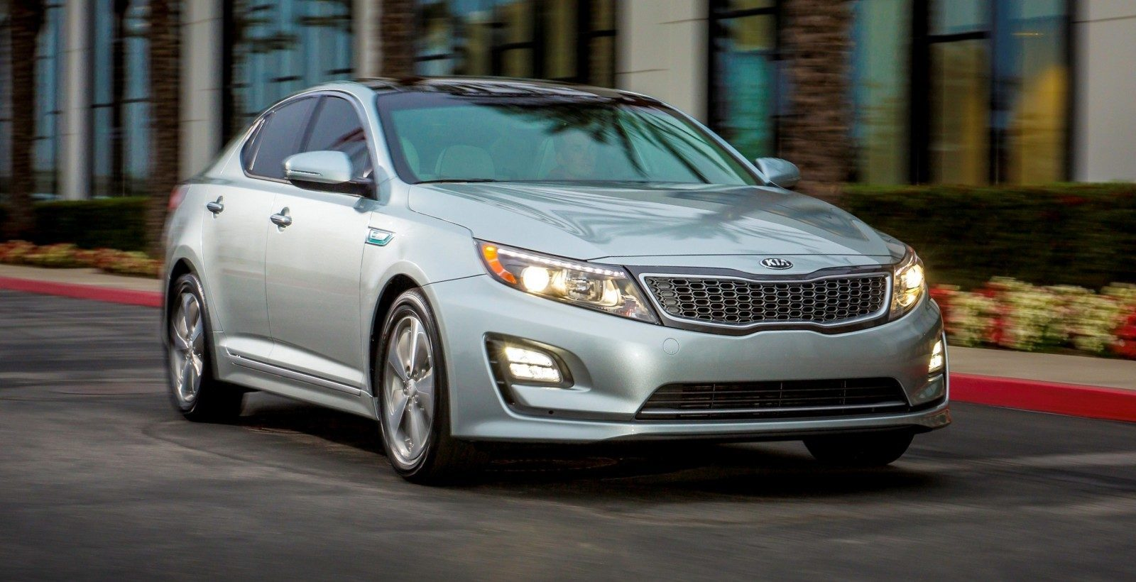 2014 Kia Optima Hybrid Updated With New Grille and LEDs Front and Rear - Specs, Features and Pricing 21