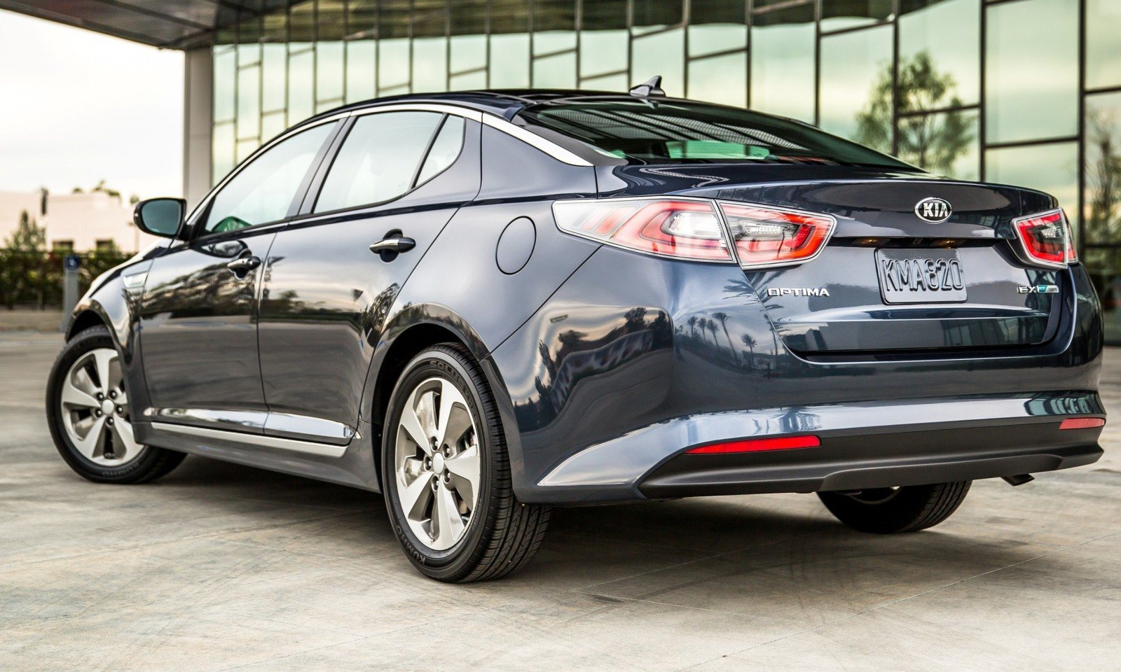 2014 Kia Optima Hybrid Updated With New Grille and LEDs Front and Rear - Specs, Features and Pricing 8