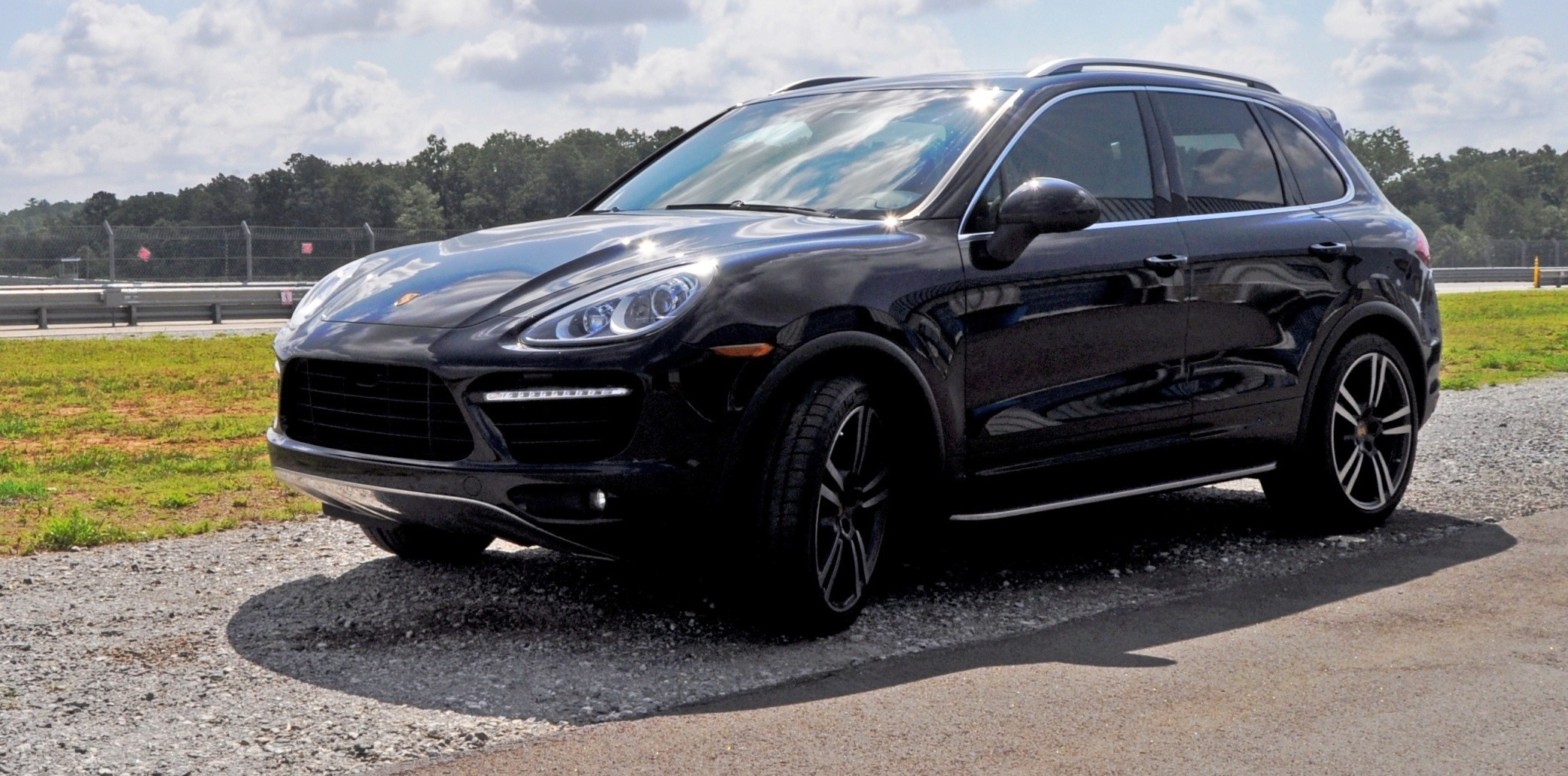 2014 porsche cayenne turbo 43. Black Bedroom Furniture Sets. Home Design Ideas