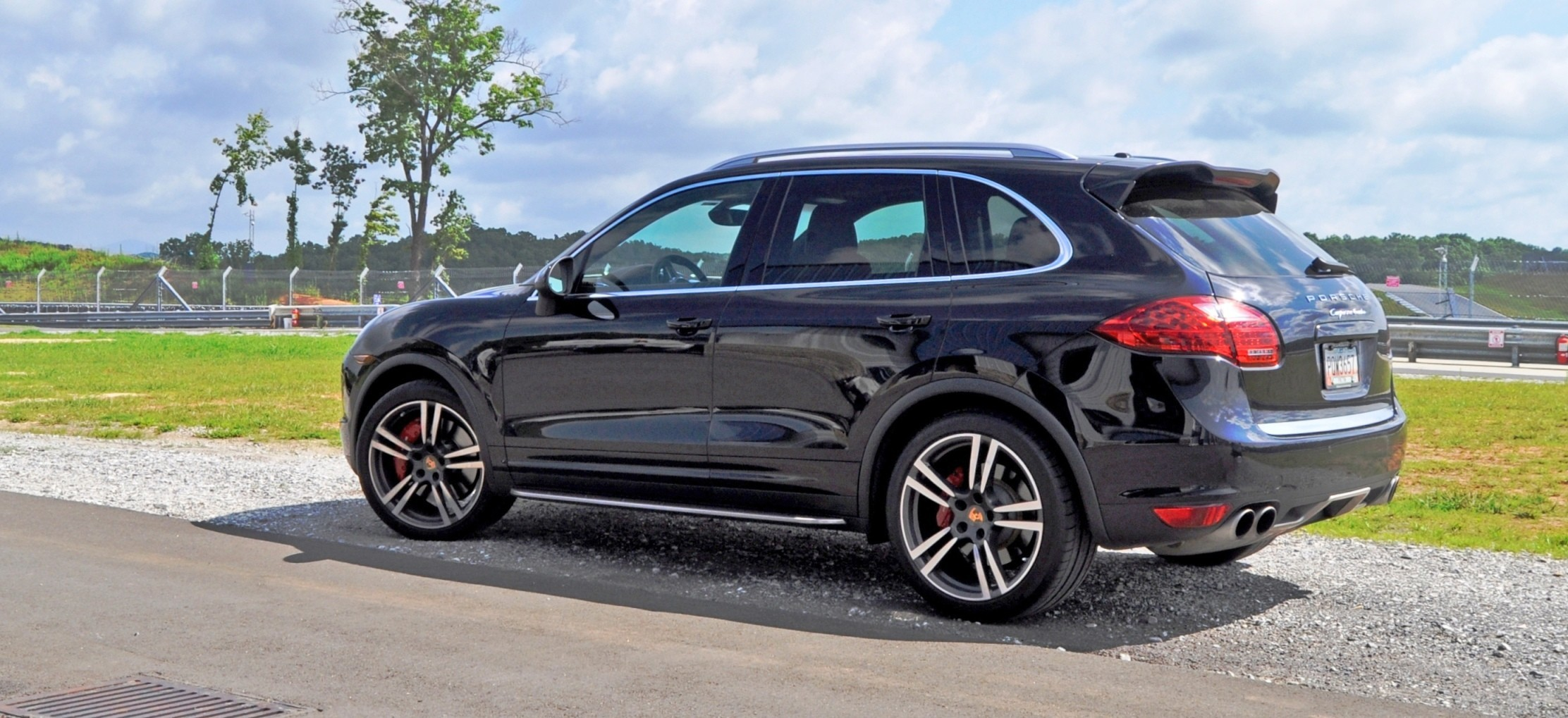 2014 porsche cayenne turbo is track star with a trailer tow bar. Black Bedroom Furniture Sets. Home Design Ideas