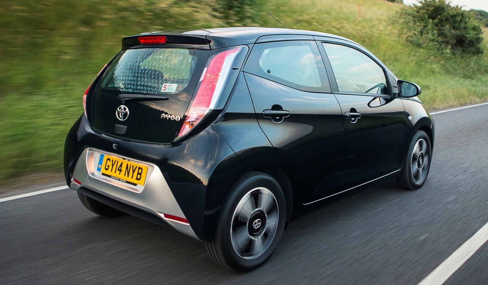2014 Toyota Aygo Is Furious With You 11