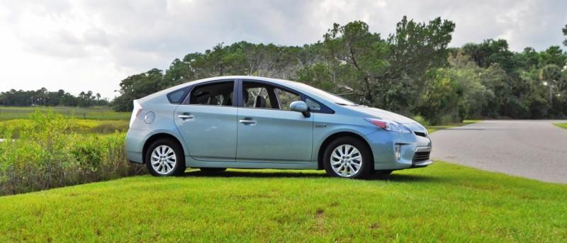 2014 Toyota Prius Plug-in Hybrid 10
