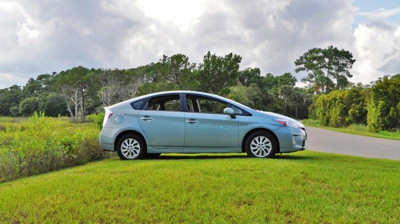 2014 Toyota Prius Plug-in Hybrid 11