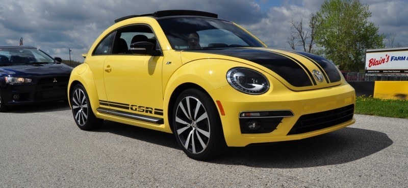 2014 Volkswagen Beetle GSR Scoots Around Go-Kart Autocross at Road America 24