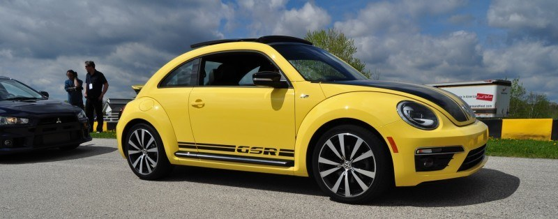 2014 Volkswagen Beetle GSR Scoots Around Go-Kart Autocross at Road America 26