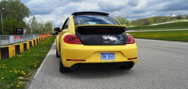 2014 Volkswagen Beetle GSR Scoots Around Go-Kart Autocross at Road America 44