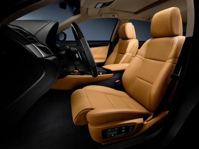 2014_Lexus_GS_350_039