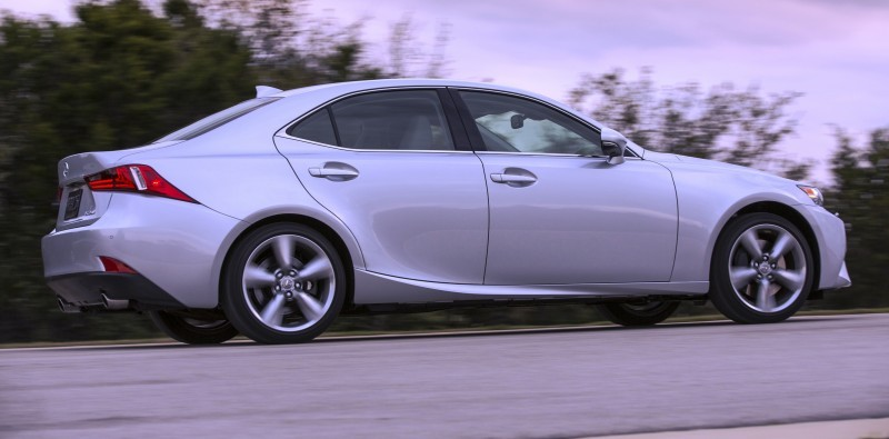 2014_Lexus_IS_350_027