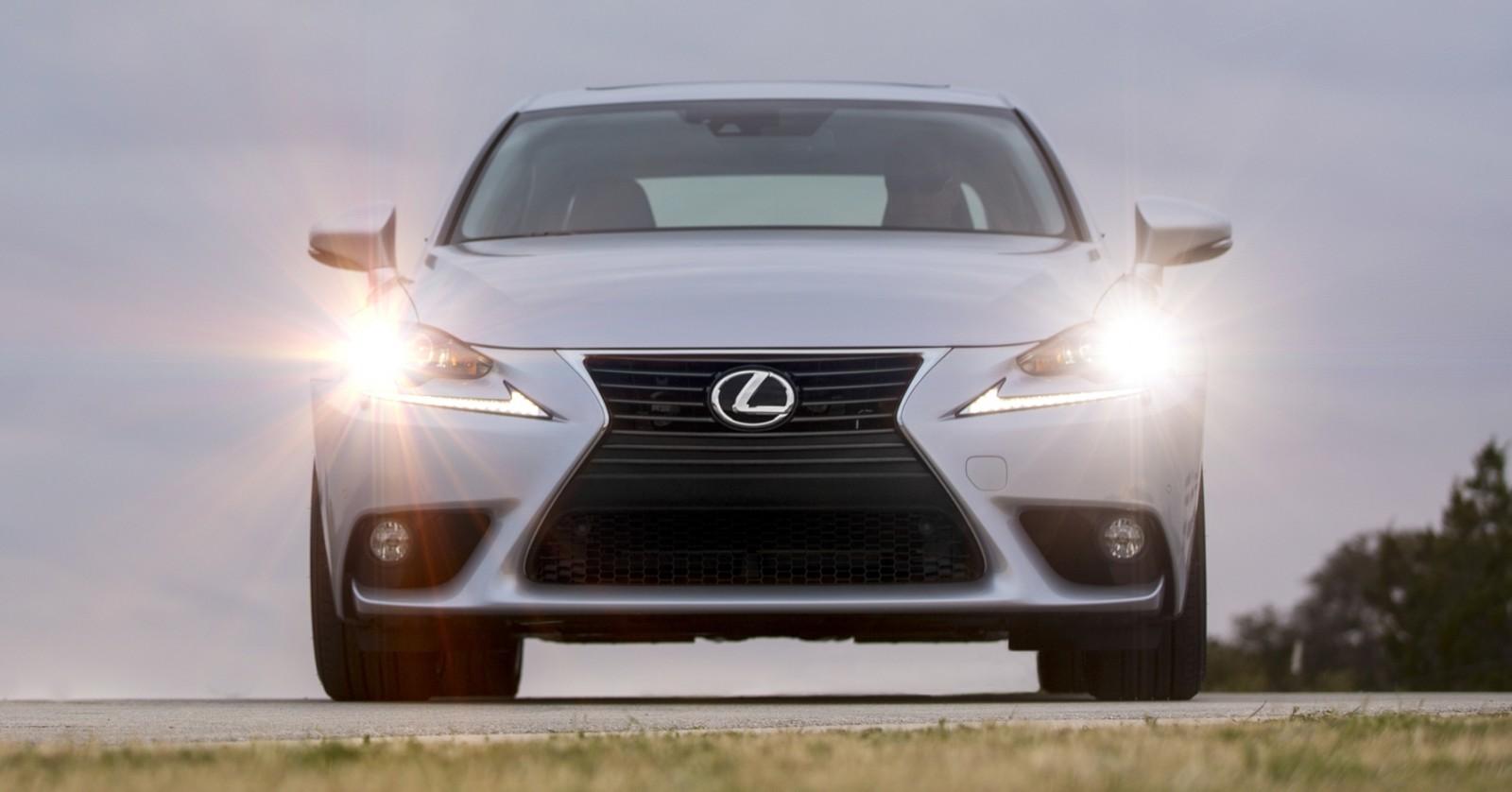 2014_Lexus_IS_350_029