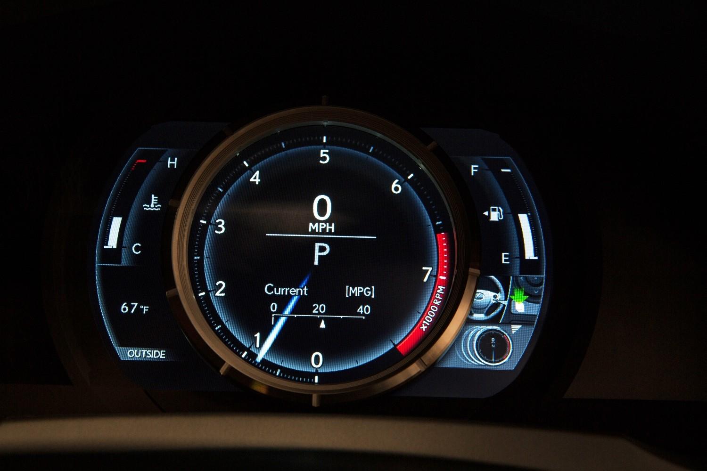 2014_Lexus_IS_350_F_SPORT_011