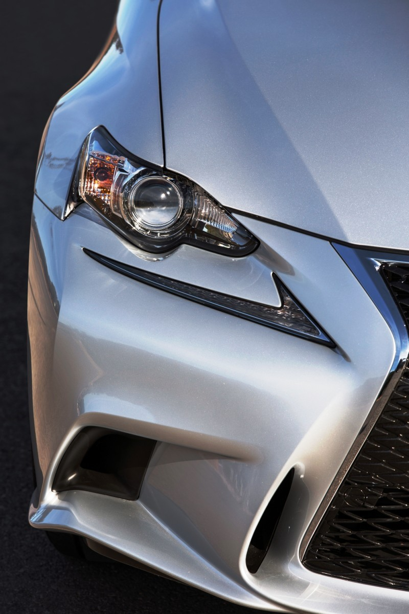 2014_Lexus_IS_350_F_SPORT_016