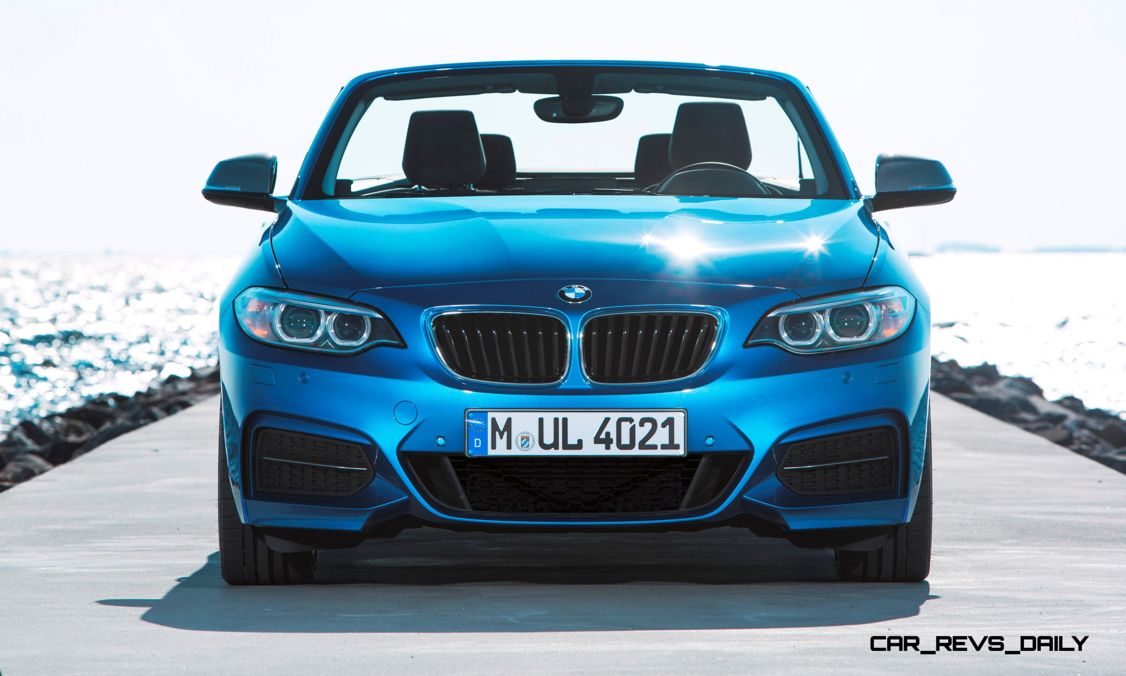 2015 BMW 228i and M235i Convertibles Make Tail Out Top Down World Debut