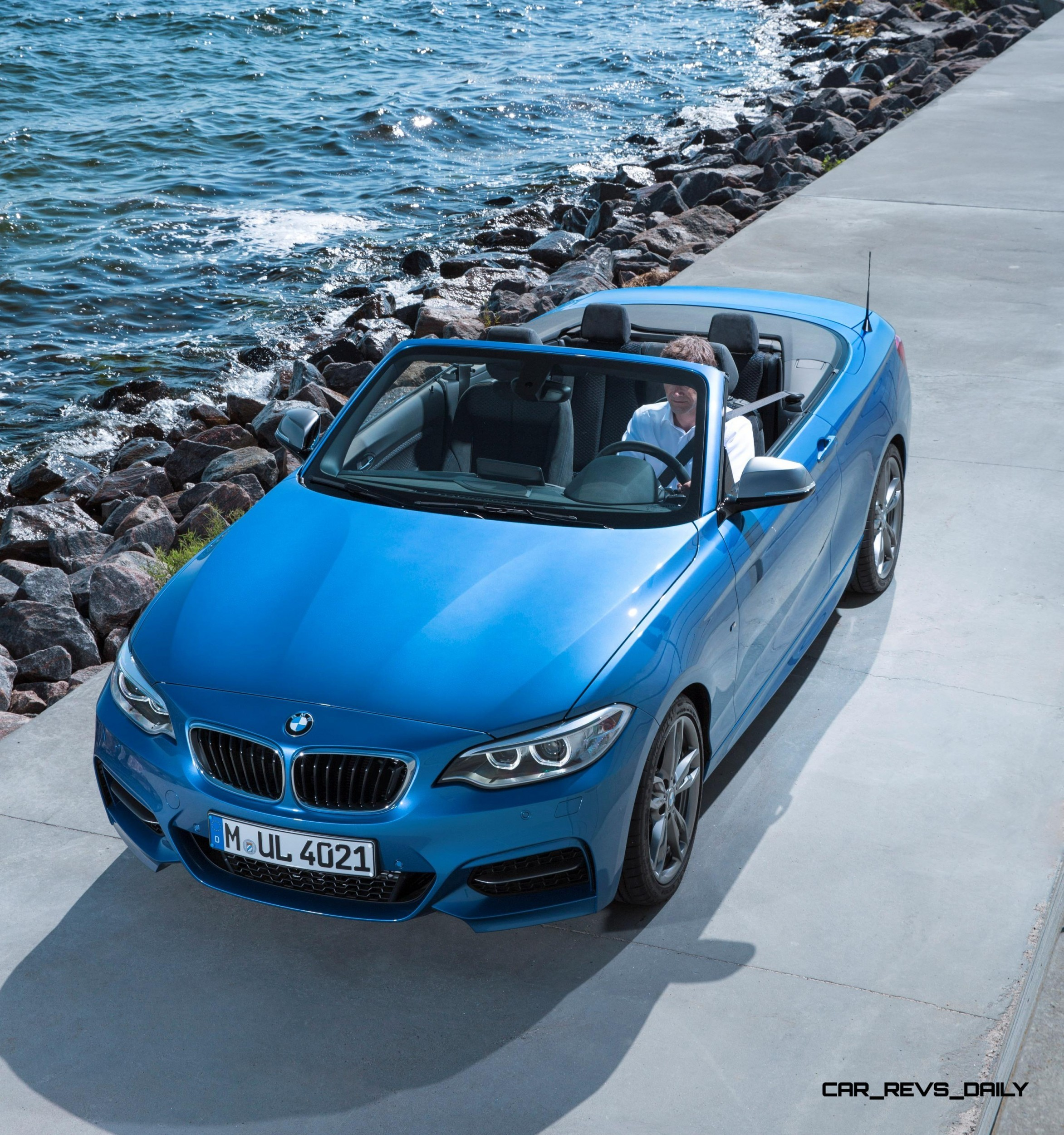 2015 BMW 228i And M235i Convertibles Make Tail-Out, Top